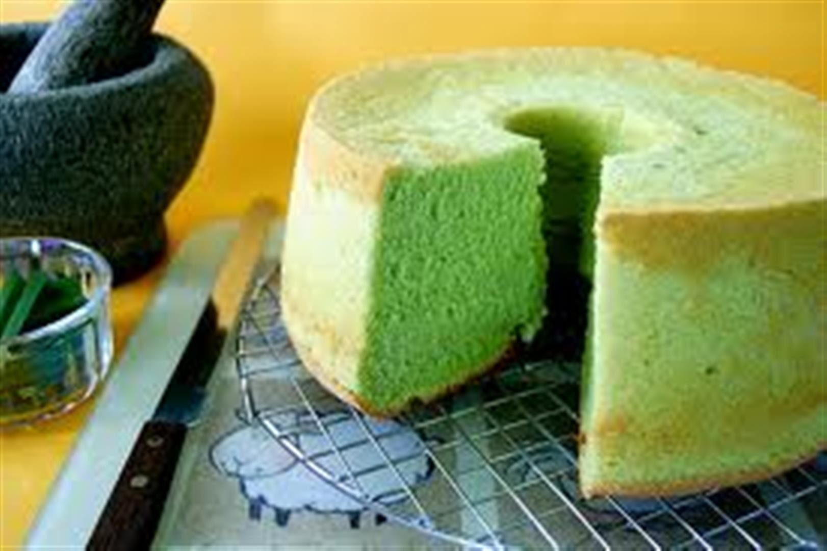 Pandan Chiffon Cake Recipe | Panlasang Pinoy Recipes