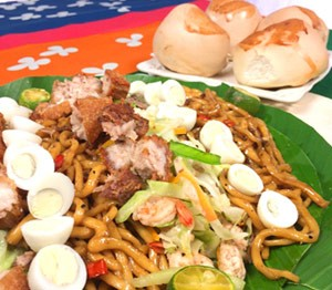 Pancit Chami served with Pinagong Bread Recipe