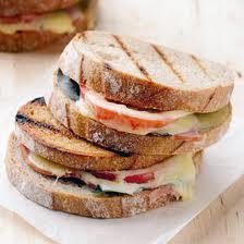 HAM AND QUEZO DE BOLA SANDWICH Recipe